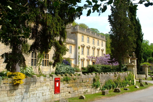 Iford Manor. Photo Credit - Rob Coles